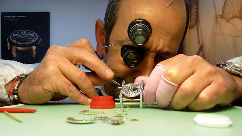 Manuel Muñoz - Qué hacemos - Laboratorio Relojero del Norte